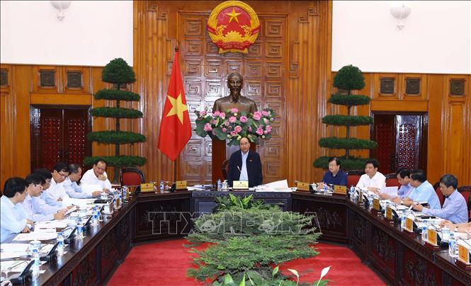 Thủ tướng Nguyễn Xuân Phúc chủ trì cuộc họp về tình hình sạt lở bờ biển và bồi lấp cửa sông với 13 địa phương ven biển miền Trung (Thời sự trưa 7/11/2018)