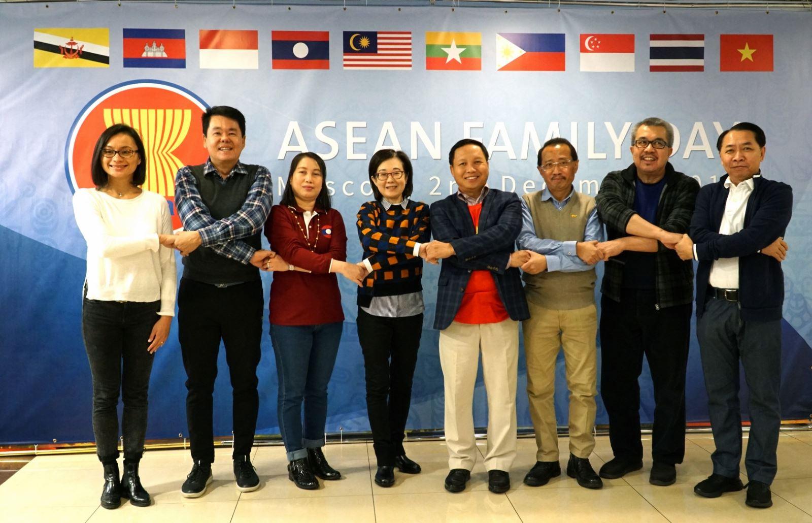 Sôi động ngày Gia đình ASEAN lần thứ nhất tại Liên bang Nga (5/12/2018)
