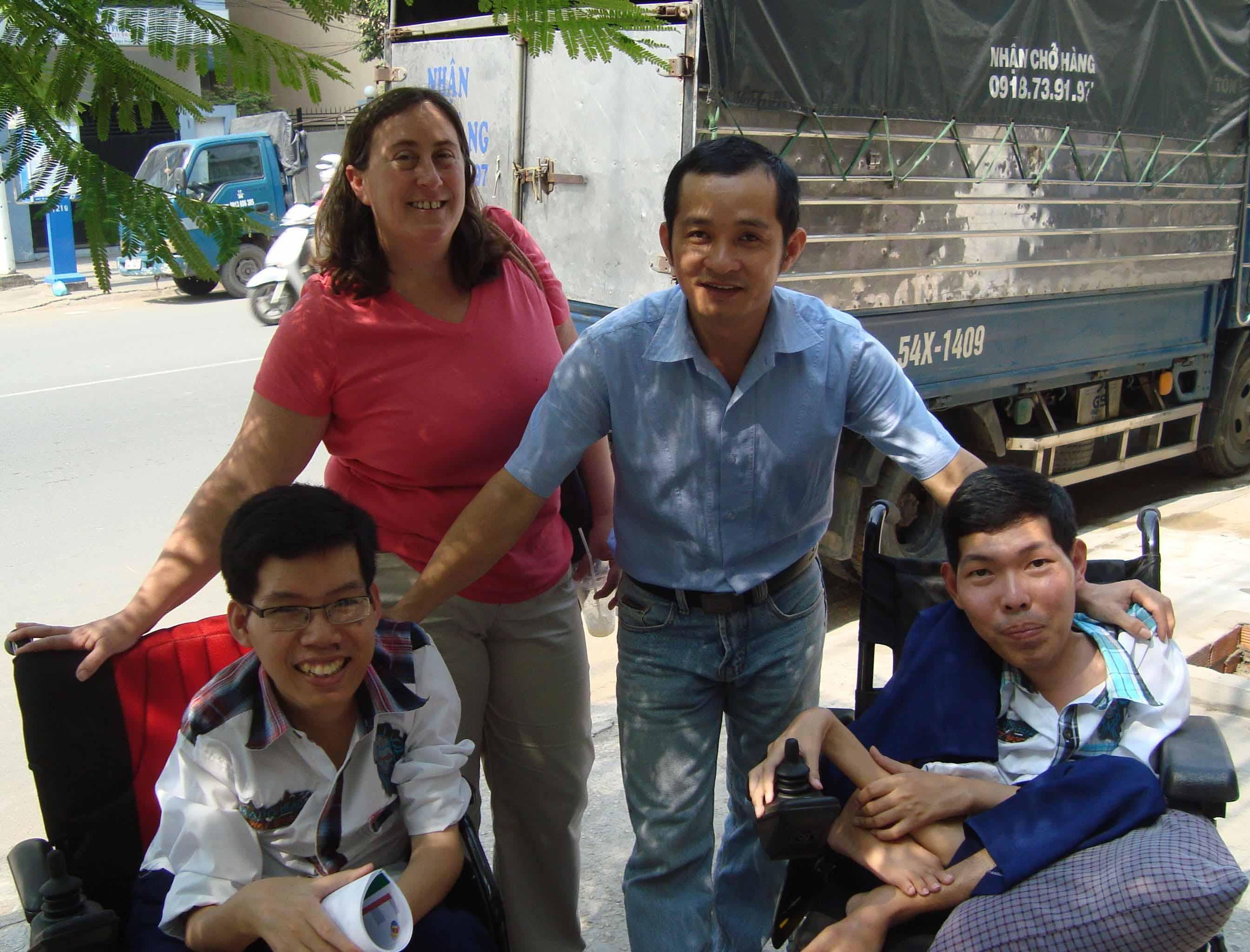 Một người Mỹ nỗ lực xoa dịu nỗi đau da cam Việt Nam (31/12/2018)