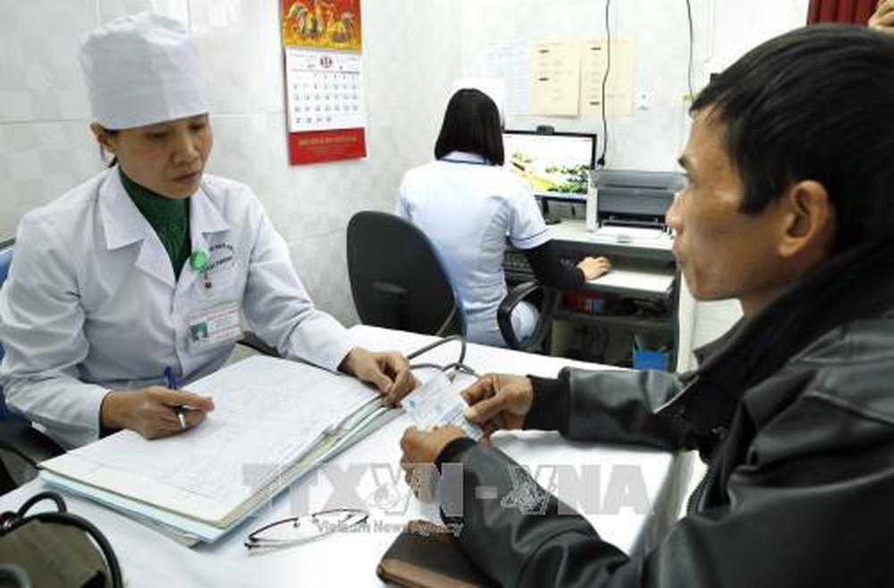 Cần giải pháp hỗ trợ người nhiễm HIV, khi triển khai cấp thuốc ARV cho bệnh nhân thông qua đồng chi trả bảo hiểm y tế từ đầu năm sau? (3/12/2018)