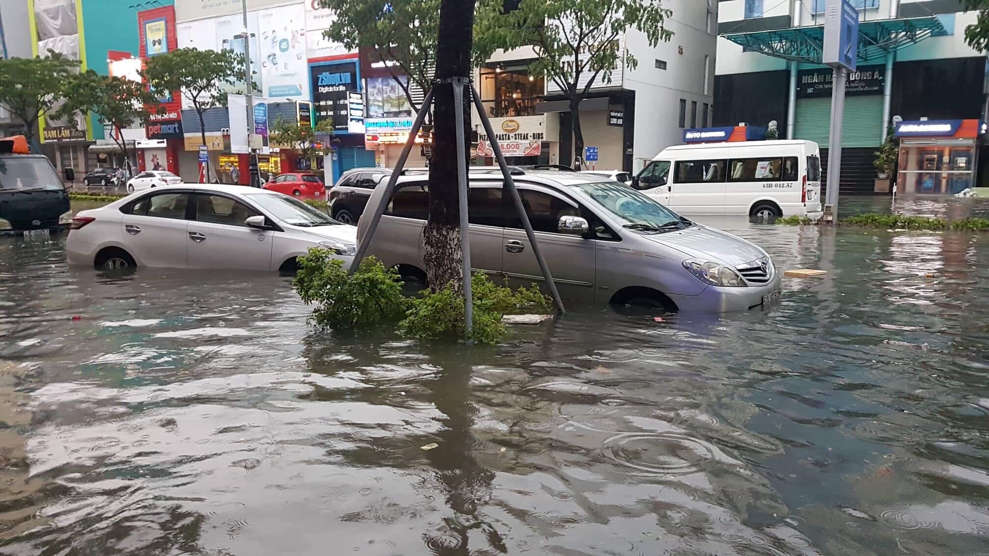 Đà Nẵng - Thành phố đáng sống hóa thành sông (10/12/2018)