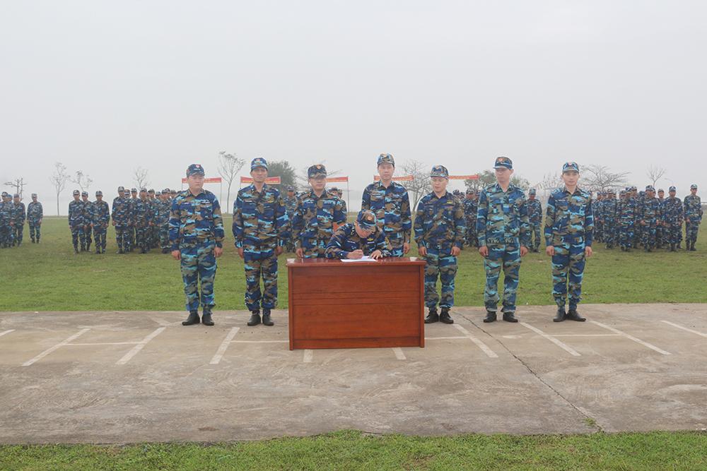 Bộ đội hải quân đẩy mạnh phong trào thi đua quyết thắng (20/12/2018)