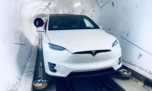 Tỷ phú Elon Musk ra mắt đường hầm tránh tắc đường đầu tiên tại Mỹ (21/12/2018)