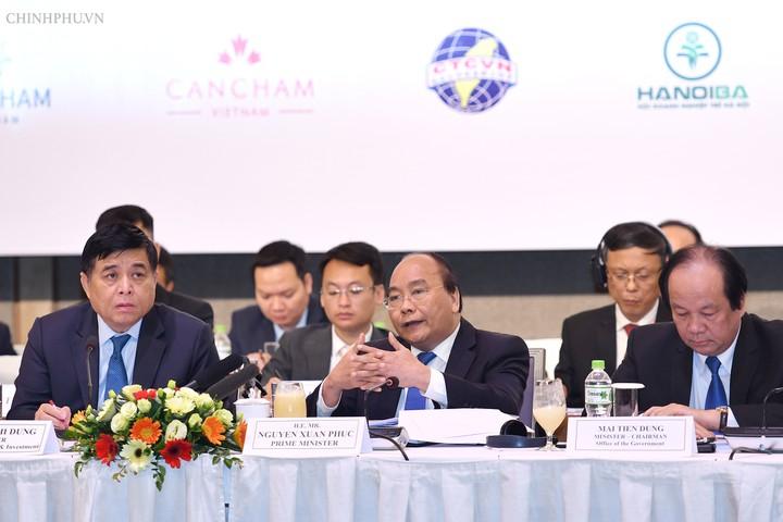 Thủ tướng Nguyễn Xuân Phúc tham dự diễn đàn doanh nghiệp Việt Nam thường niên (VBF) 2018 (Thời sự trưa 4/12/2018)