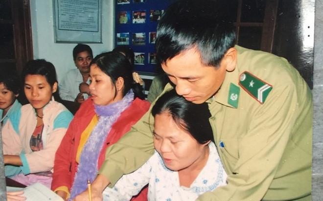 Chuyện về Trung tá Biên phòng nặng lòng với đồng bào biên giới (29/12/2018)