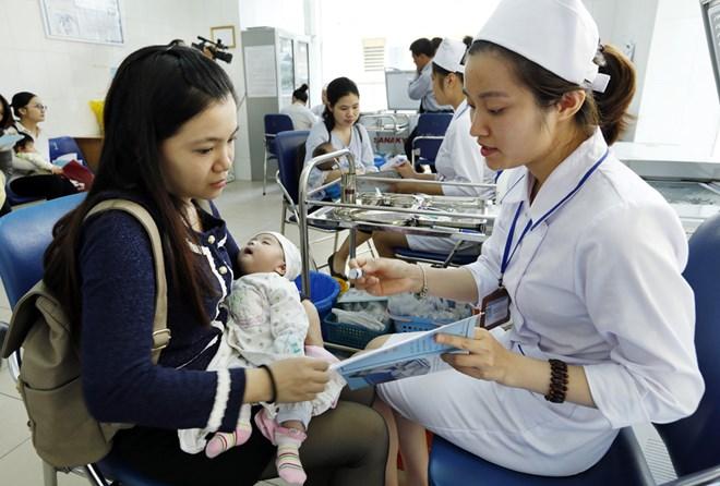 An toàn tiêm chủng trong sử dụng vắc xin 5 trong 1 ComBE Five tại Việt Nam (29/12/2018)