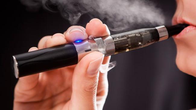 Báo động về tình trạng hút thuốc lá điện tử trong thanh thiếu niên Mỹ (18/12/2018)