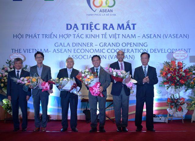 Ra mắt Hội phát triển hợp tác kinh tế Việt Nam - ASEAN (26/12/2018)