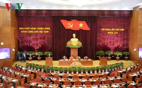 Khai mạc sáng nay tại Hà Nội, Hội nghị Trung ương 9, khoá XII, bàn nội dung quan trọng về công tác cán bộ. (Thời sự trưa 25/12/2018)