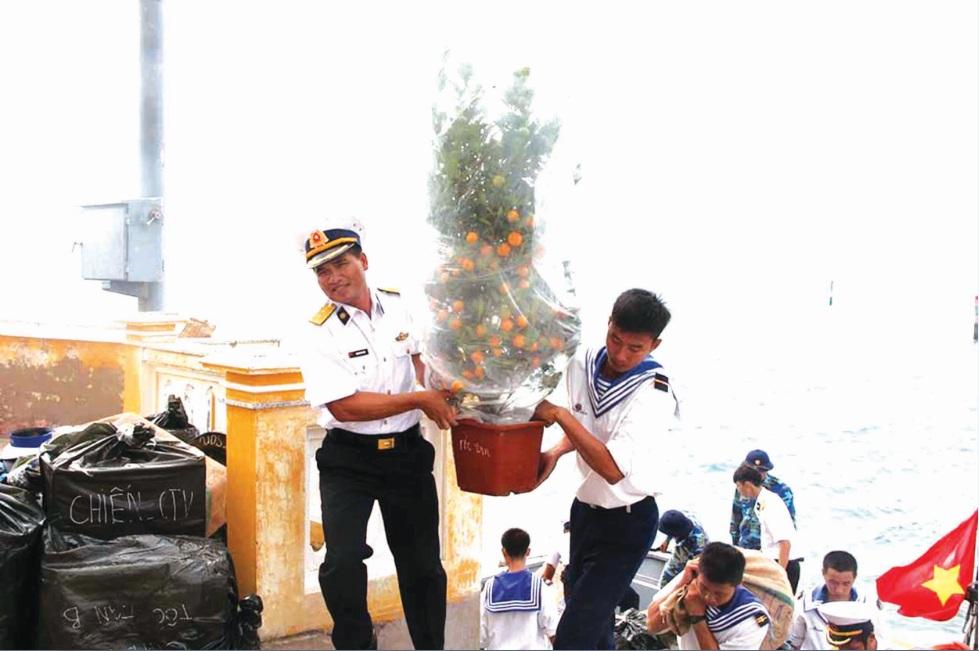 Công tác chuẩn bị đón Tết tại thị trấn Trường Sa, huyện đảo Trường Sa, tỉnh Khánh Hòa (12/02/2018)