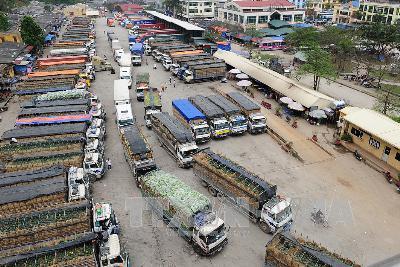Tái diễn tình trạng nông sản ùn tắc tại cửa khẩu Tân Thanh, tỉnh Lạng Sơn: Thủ tướng Chính phủ ra công điện khẩn, yêu cầu các đơn vị địa phương liên quan khẩn trương giải tỏa, thông quan hàng hóa xuất khẩu (Thời sự trưa 9/2/2018)