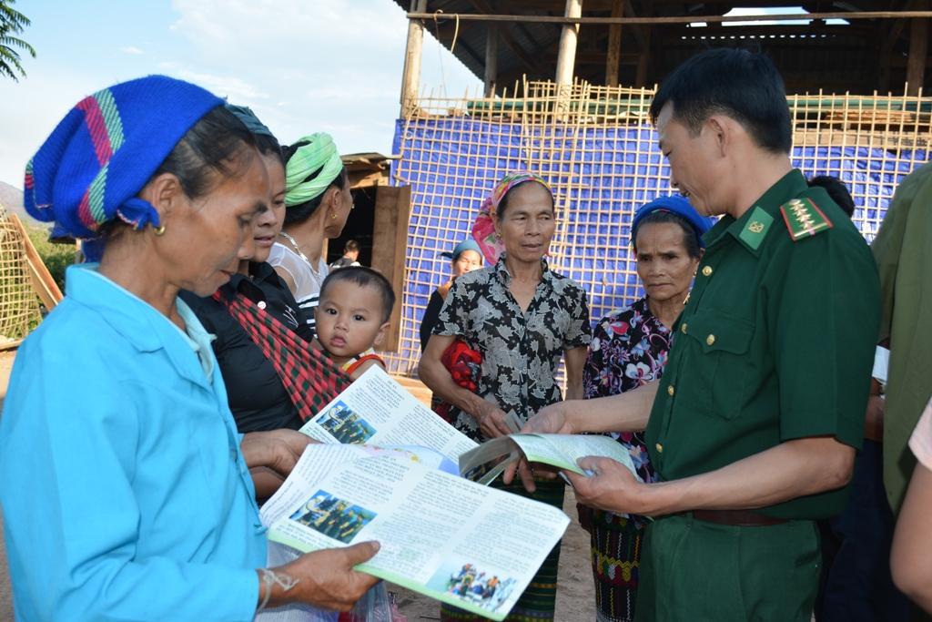 Tăng cường phổ biến pháp luật, cứu hộ cứu nạn cho người dân khu vực biên giới  (13/03/2018)