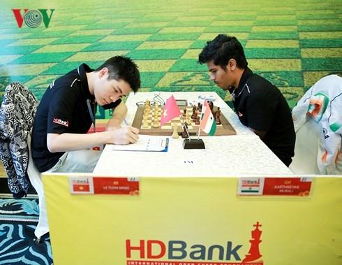 Giải Cờ vua Quốc tế HDBank 2018: Kỳ thủ 22 tuổi Lê Tuấn Minh đạt thứ hạng cao nhất chung cuộc dù không được kỳ vọng nhiều khi tham dự giải (18/3/2018)