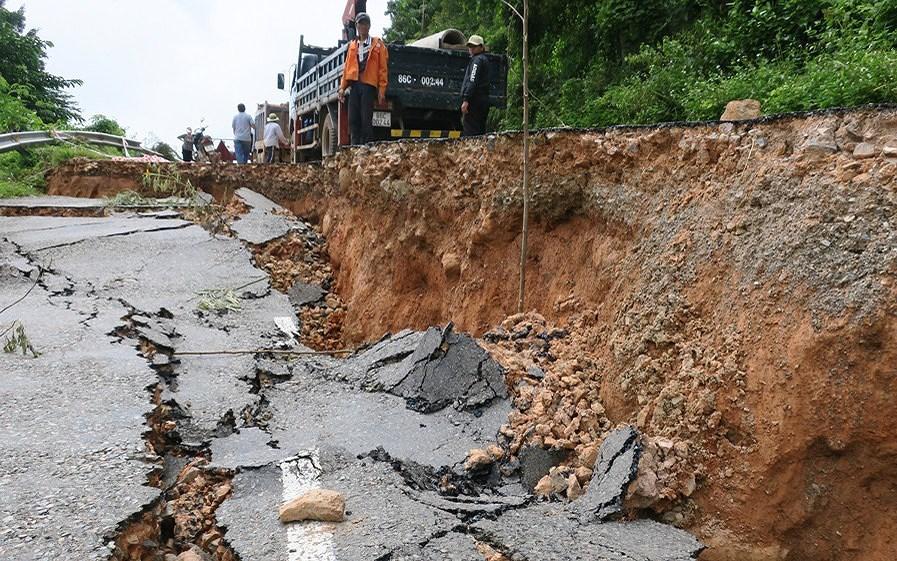 Sụt lún đất sẽ nghiêm trọng nếu khai thác quá mức nguồn nước ngầm (2/4/2018)