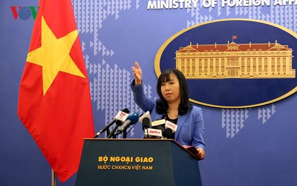 Việt Nam đề nghị phía Trung Quốc tôn trọng chủ quyền của Việt Nam đối với hai quần đảo Hoàng Sa và Trường Sa, không có hoạt động gia tăng căng thẳng, làm phức tạp tình hình ở khu vực. (Thời sự đêm 24/4/2018)