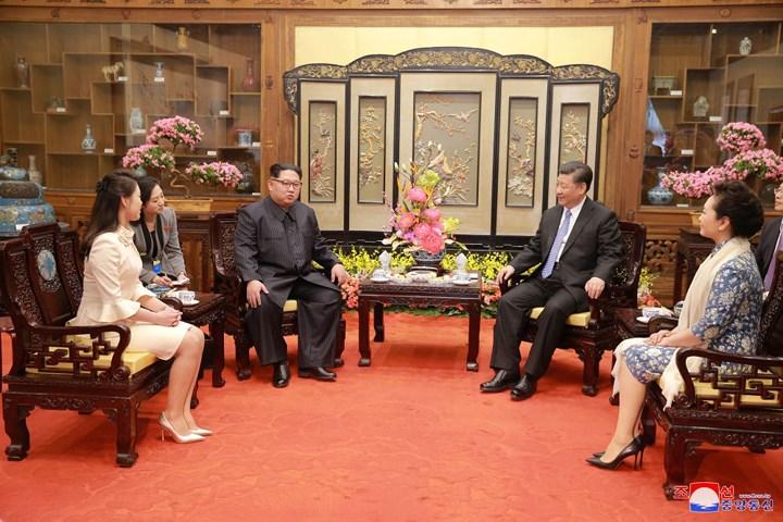 Chuyến thăm bất ngờ của nhà lãnh đạo Triều Tiên tới Trung Quốc (1/4/2018)