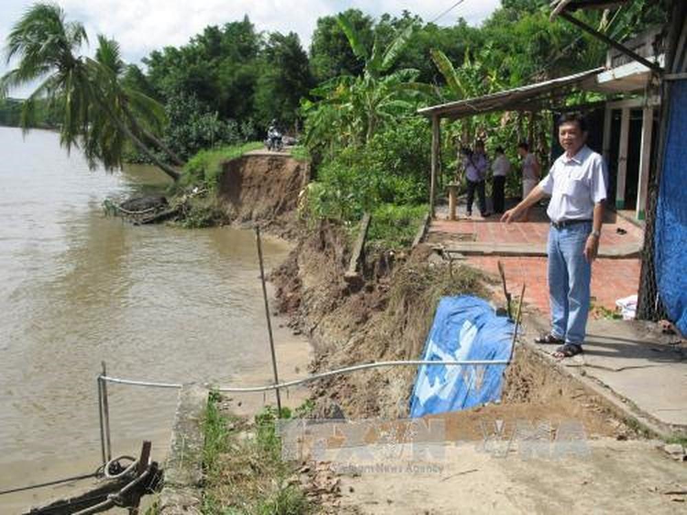 Người dân ở đồng bằng sông Cửu Long ngày càng phải đối mặt với nguy cơ sạt lở bờ sông (11/5/2018)