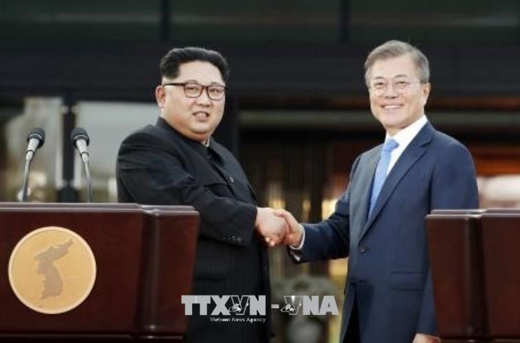 Cuộc gặp của Tổng thống Hàn Quốc MoonJe-in và nhà lãnh đạo Triều Tiên Kim Jang-un có mang lại hòa bình lâu dài cho Bán đảo Triều Tiên? (1/5/2018)