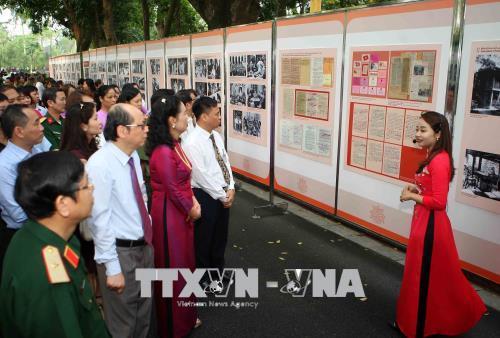 """Triển lãm kỷ niệm """"60 năm Nhà sàn Bác Hồ trong khu Phủ Chủ tịch"""" (15/5/2018)"""