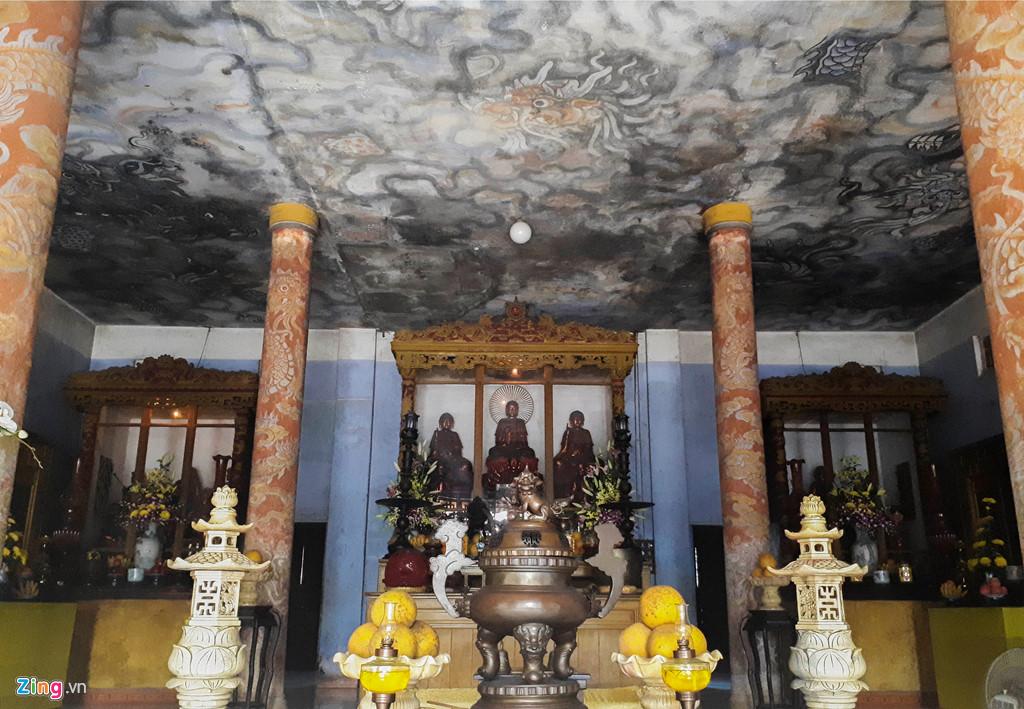 Diệu Đế: Ngôi cổ tự với bức tranh tường 9 con rồng lớn nhất Việt Nam (8/5/2018)