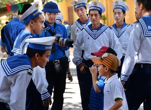 Gặp gỡ cô sinh viên Đoàn Ngọc và lời tri ân với Trường Sa bằng những bài thơ (14/5/2018)