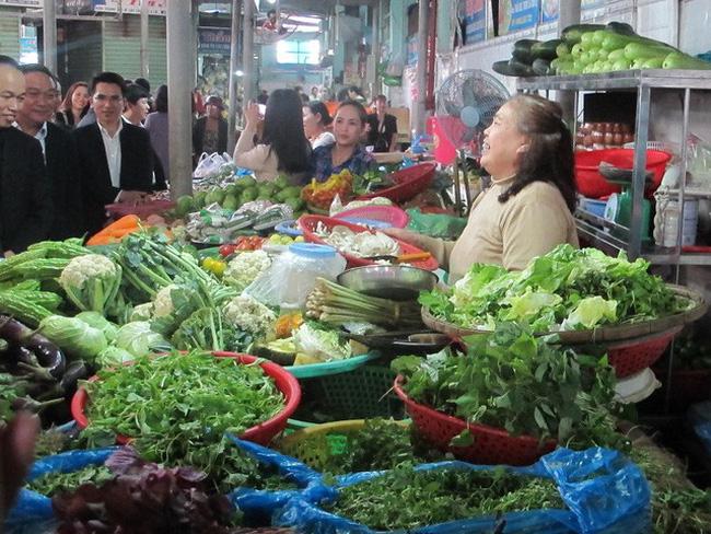 An toàn vệ sinh thực phẩm tại các chợ đầu mối: Nỗi lo không của riêng ai (6/5/2018)