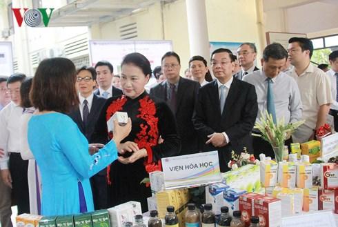 Lực đẩy cho nghiên cứu cơ bản ở Việt Nam (18/5/2018)
