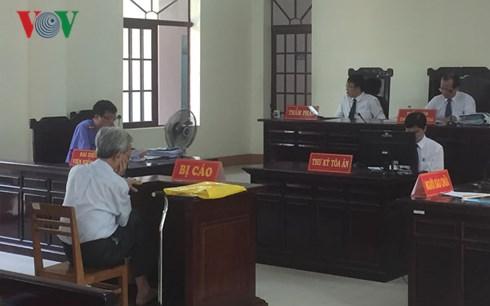 Tòa án nhân dân tỉnh Bà Rịa-Vũng Tàu tuyên giảm án cho bị cáo Nguyễn Khắc Thủy vụ án dâm ô trẻ em từ 3 năm tù xuống 18 tháng tù treo: Mức án này có thực sự nghiêm minh, đúng tội? (16/5/2018)