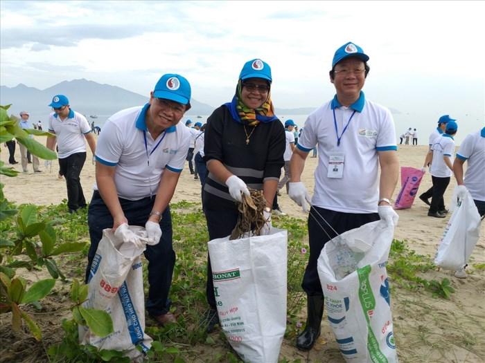 Thúc đẩy thực hiện sáng kiến của Việt Nam về giảm rác thải nhựa đại dương (28/6/2018)