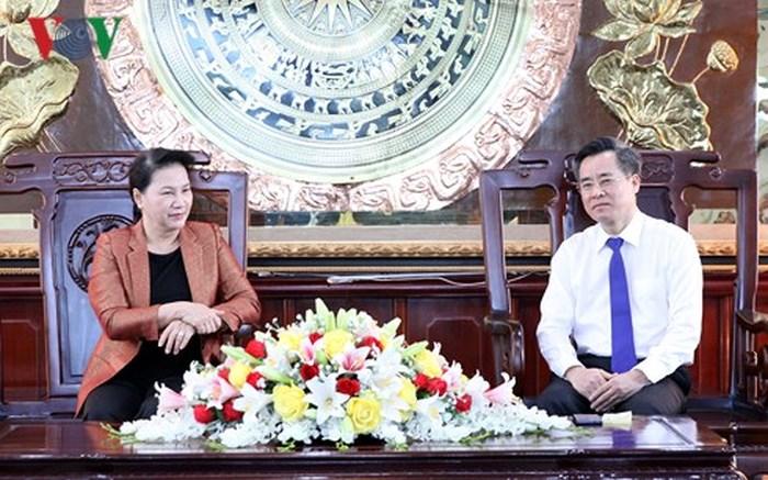 Chủ tịch Quốc hội Nguyễn Thị Kim Ngân đề nghị tỉnh Bạc Liêu phát triển kinh tế phải chú trọng hài hòa lợi ích của người dân (Thời sự chiều 20/6/2018)
