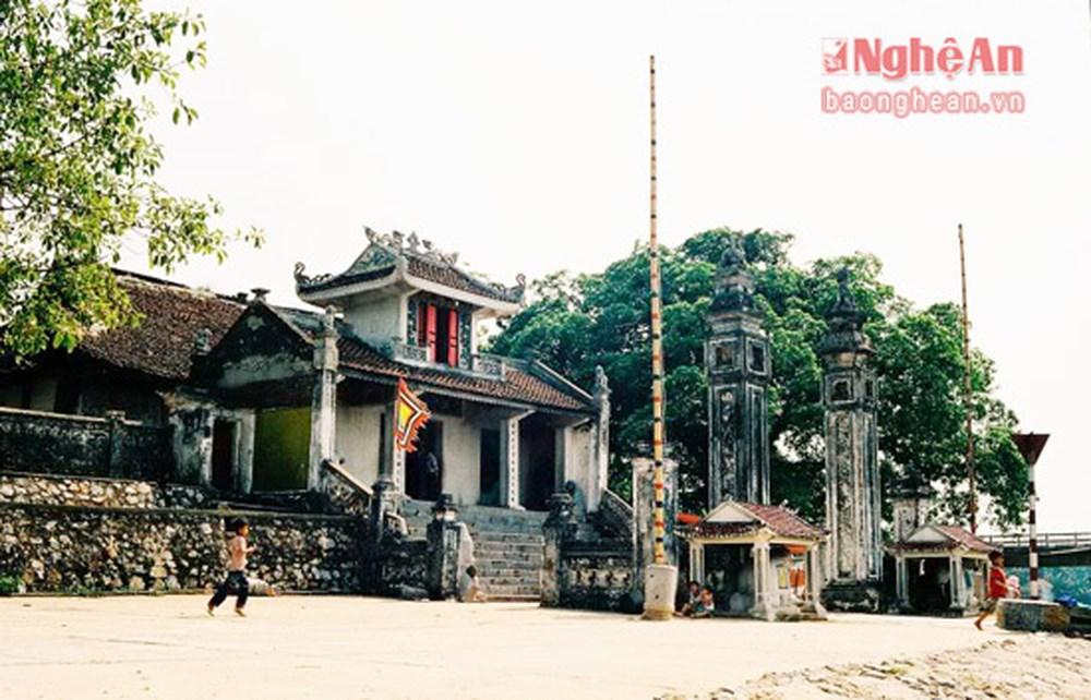 Thăm ngôi đền cổ gần 800 tuổi tại Nghệ An (23/6/2018)