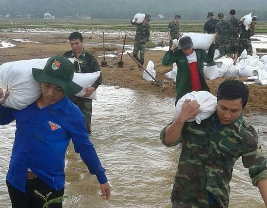 Bộ đội biên phòng Bình Định - bám sát cơ sở, làm tốt công tác dân vận ở khu vực biên giới biển (5/6/2018)