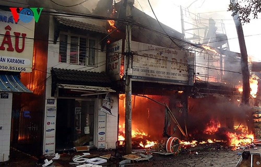 Những vụ hỏa hoạn gần đây và những bài học phải trả giá đắt (15/6/2018)