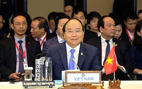 Thủ tướng Chính phủ Nguyễn Xuân Phúc kết thúc chuyến tham dự Hội nghị cấp cao ACMECS 8 và CLMV 9 (Thời sự đêm 16/6/2018)