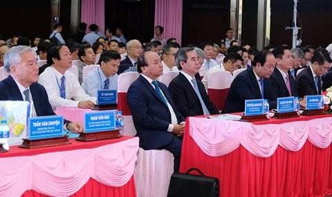 Thủ tướng Nguyễn Xuân Phúc chủ trì Hội nghị Xúc tiến đầu tư tỉnh Sóc Trăng và phát động khởi nghiệp (Thời sự trưa 19/6/2018)