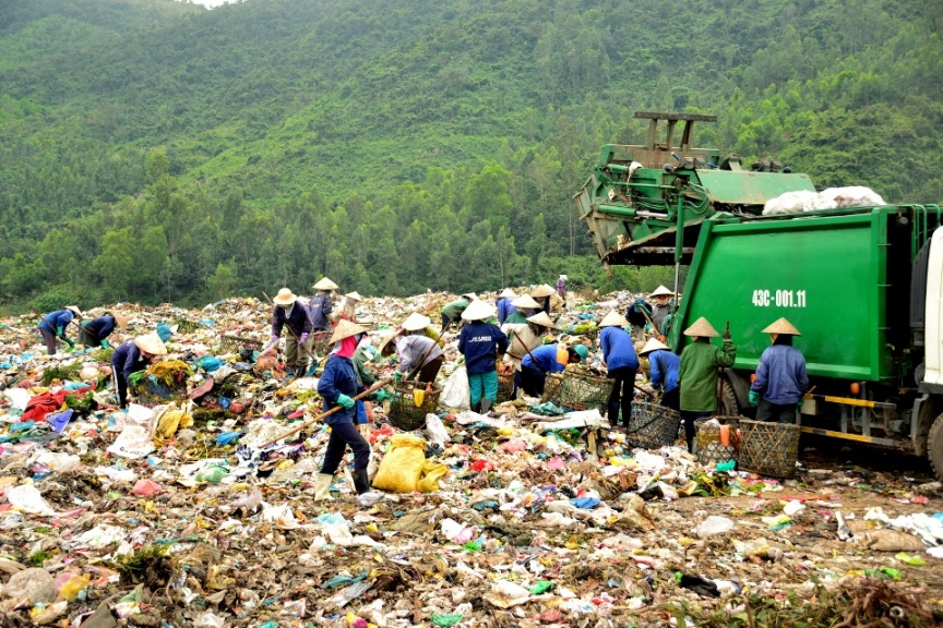 Xử lý rác thải: Câu chuyện trách nhiệm còn kéo dài (14/6/2018)