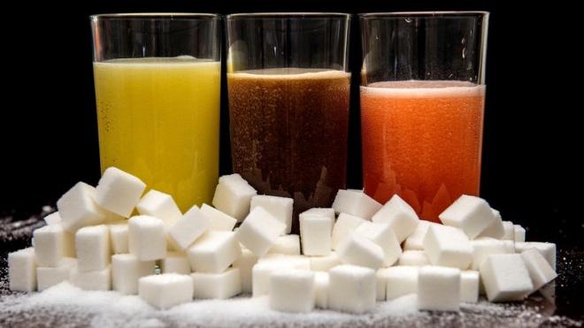 Người Việt Nam tiêu thụ gần 5 tỷ lít nước uống có đường/năm, tăng 7 lần trong 15 năm qua (Thời sự trưa 22/6/2018)
