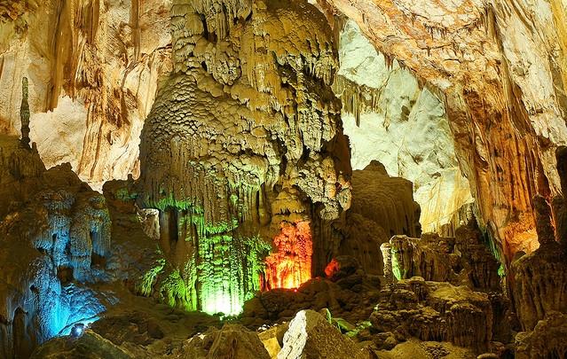 Quảng Bình phát triển du lịch hang động gắn với bảo tồn tài sản vô giá (10/6/2018)