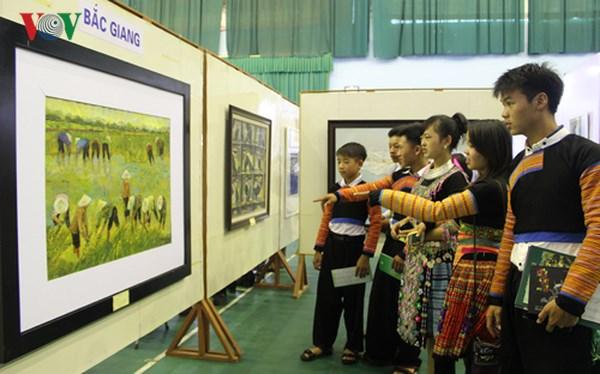 Nghệ thuật đương đại Việt Nam qua góc nhìn của các nghệ sĩ trẻ (14/6/2018)