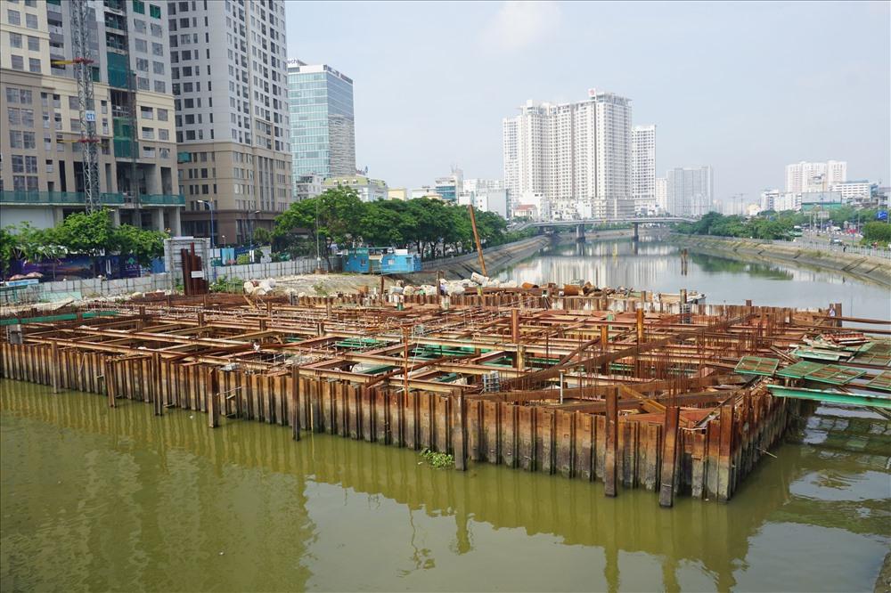 Dự án chống ngập 10.000 tỉ ở thành phố Hồ Chí Minh tiếp tục được thi công, sau hai tháng tạm dừng vì thiếu vốn (Thời sự đêm 3/7/2018)