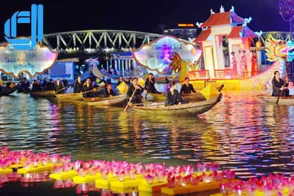 Nét đặc sắc trong thưởng thức ca Huế trên sông Hương (8/7/2018)