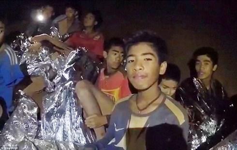 Tối nay, 6 thành viên của đội bóng đá thiếu niên Thái Lan được đưa ra khỏi hang Tham Luang (Thời sự đêm 8/7/2018)