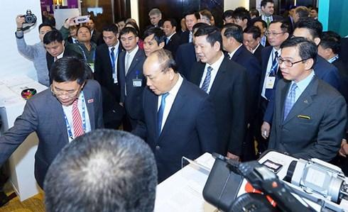 Thủ tướng Nguyễn Xuân Phúc dự diễn đàn cấp cao Tầm nhìn và chiến lược phát triển đột phá, trong bối cảnh cuộc Cách mạng Công nghiệp lần thứ 4 (Thời sự sáng 13/7/2018)