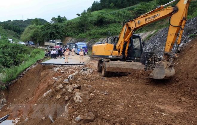Khắc phục hậu quả lũ lụt ở Lai Châu (3/7/2018)