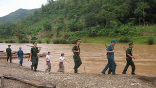 Quân dân chung tay bảo vệ đường biên, cột mốc (14/7/2018)