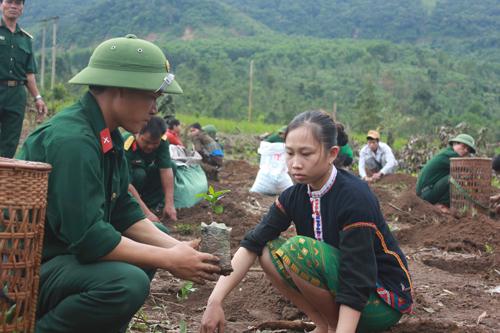 Hà Giang chú trọng phát triển kinh tế khu vực biên giới gắn với đảm bảo quốc phòng an ninh (16/8/2018)