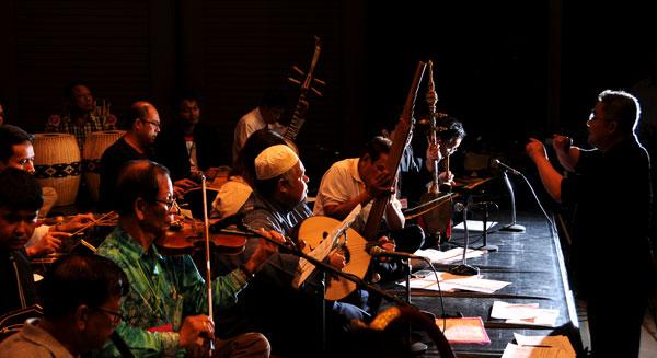 Âm nhạc: cầu nối hàn gắn sắc tộc ở Thái Lan (15/8/2018)
