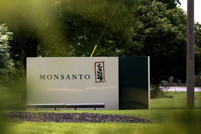 Việc cần thiết phải có biện pháp để ngăn chặn Công ty Monsanto sử dụng thuốc diệt cỏ Roundup với nguy cơ hiểu họa gây ung thư và các vấn đề về sức khỏe khác (17/8/2018)