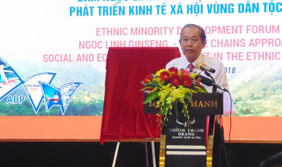 Dự Diễn đàn phát triển Dân tộc thiểu số, Phó thủ tướng Trương Hòa Bình yêu cầu các địa phương ở Tây Nguyên và Nam Trung Bộ cùng liên kết, kêu gọi sự tham gia của các doanh nghiệp vào phát triển cây Sâm Ngọc Linh để xứng tầm với một loại dược liệu quý đã được công nhận là sản phẩm quốc gia ( Thời sự chiều 20/8/2018)