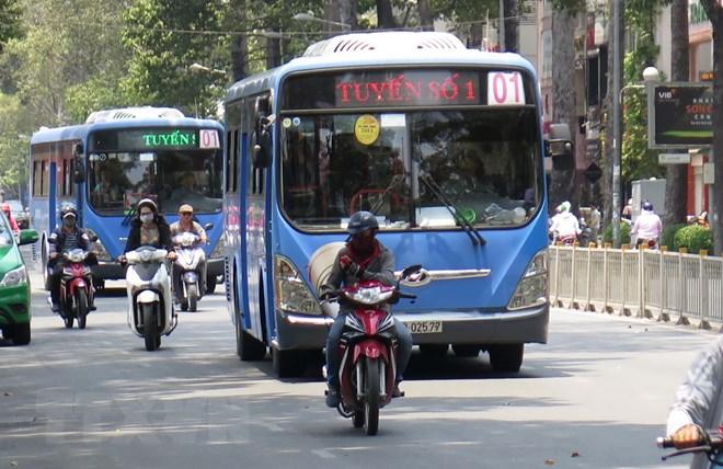 Thành phố Hồ Chí Minh đề xuất xây dựng làn xe riêng cho xe buýt thường: Nên hay không? (8/8/2018)
